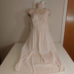 Vintage Intimates & Sleepwear - Vintage 60s Vanity Fair pink nightie